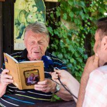 J. Dvořák s knihou